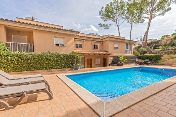 Terraced house in Cas Catala for sale with pool