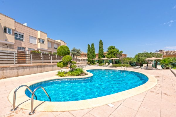 1. Residential community in Palmanova with swimming pool