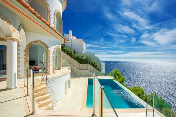 1 Design villa with outstanding sea view in Santa Ponsa